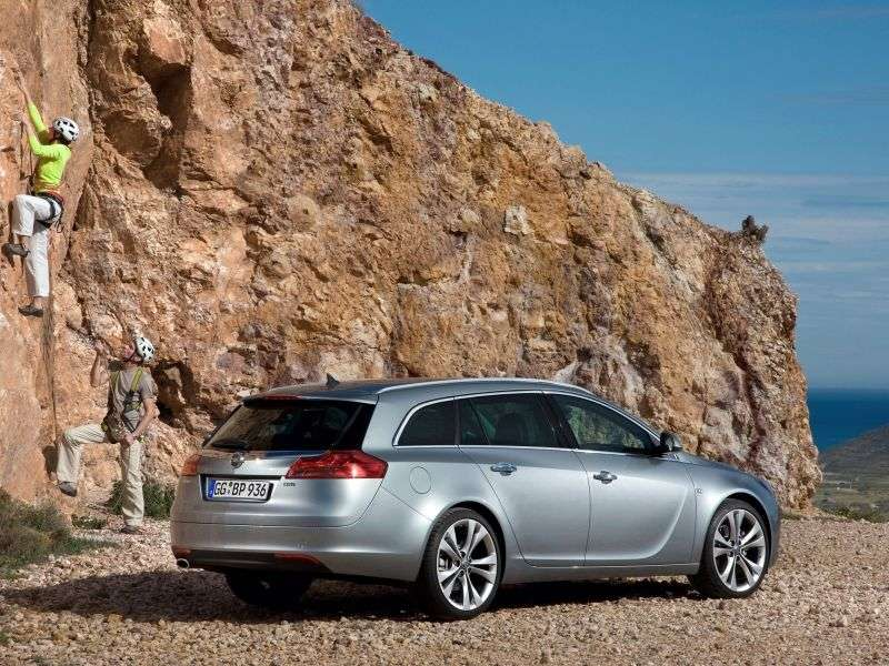 Opel Insignia 1st generation Sports Tourer 5 speed wagon. 2.0 Turbo MT 4x4 (2011–2012)