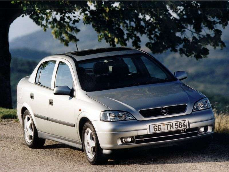 Opel Astra Gsedan 4 dv. 1.8 MT (1998–2004)