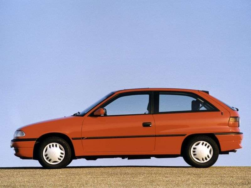 Opel Astra F [restyled] hatchback 1.7 TD MT (1994–1998)
