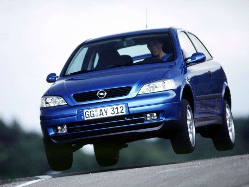 Opel Astra Ghetchbek 3 dv. 2.2 AT (1998–2004)