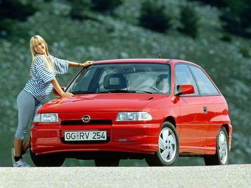 Opel Astra FGSi hatchback 3 dv. 1.8 MT (1993–1994)