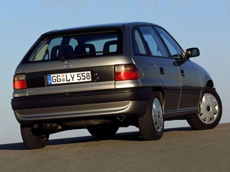 Opel Astra F [restyling] 5 bit hatchback 1.4 MT (1994–2002)
