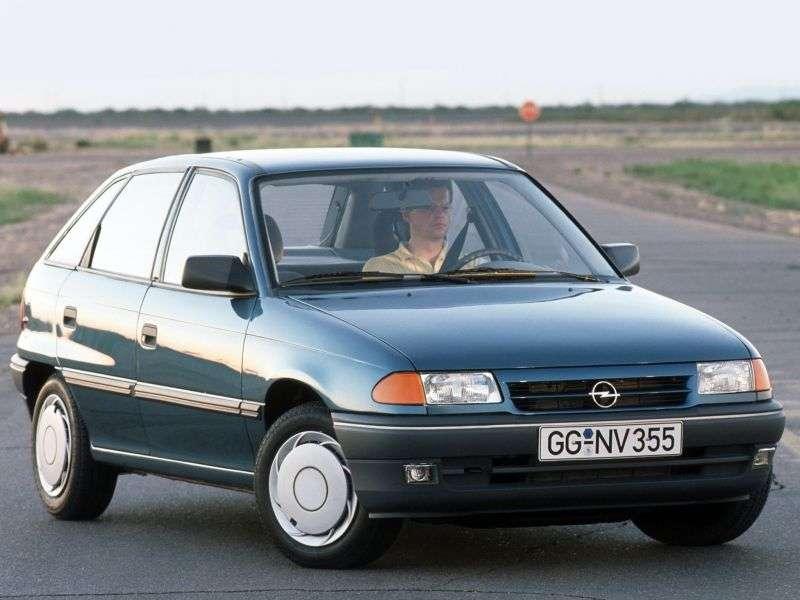 Opel Astra Fhetchbek 5 dv. 1.6 MT (1991–1994)