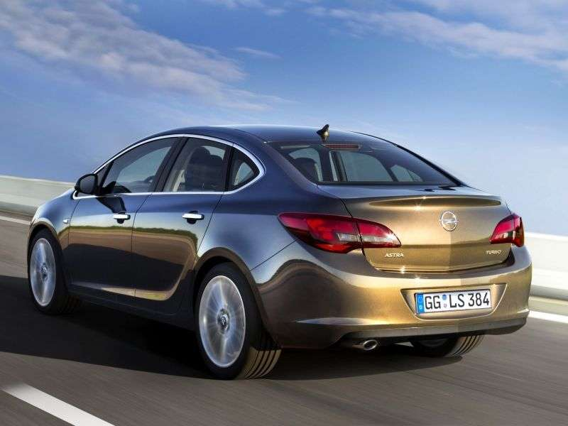 Opel Astra J [restyling] sedan 1.3 CDTI MT (2012 – n.)