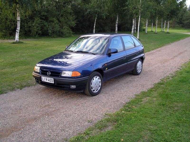 Opel Astra Fhetchbek 5 dv. 2.0 MT (1991–1994)
