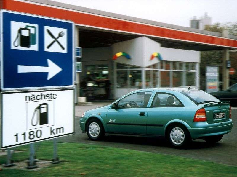 Opel Astra Ghetchbek 3 dv. 2.0 Di AT (1998–2004)
