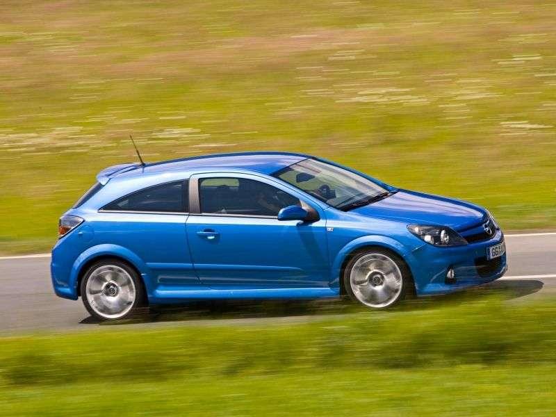 Opel Astra HOPC hatchback 3 dv. 2.0 Turbo MT (2004–2010)