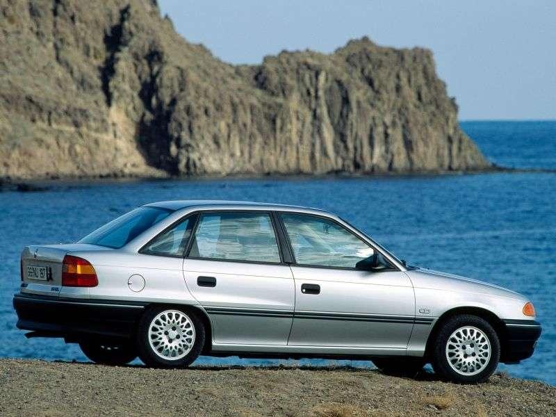 Opel Astra Fsedan 1.6 AT (1993–1994)