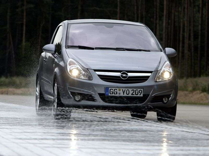 Opel Corsa Dhetchbek 3 dv. 1.4 AT (2010–2011)