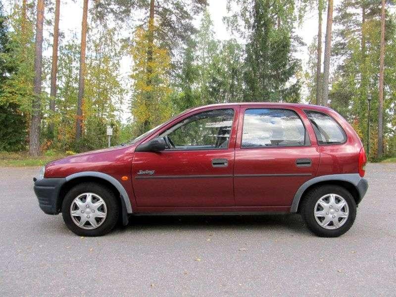 Opel Corsa B hatchback 5 drzwiowy 1,4 MT (1996 1997)