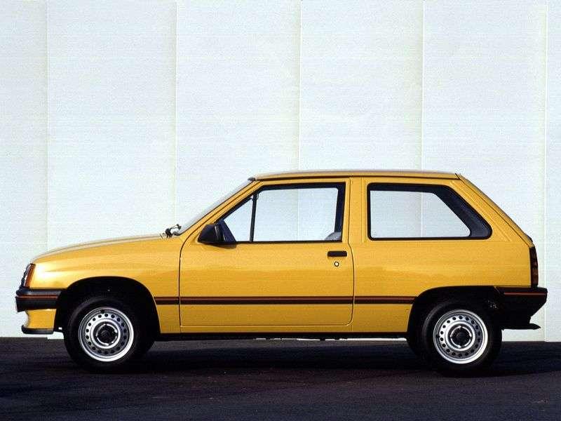 Opel Corsa Achatchback 1.2i MT (1985–1993)