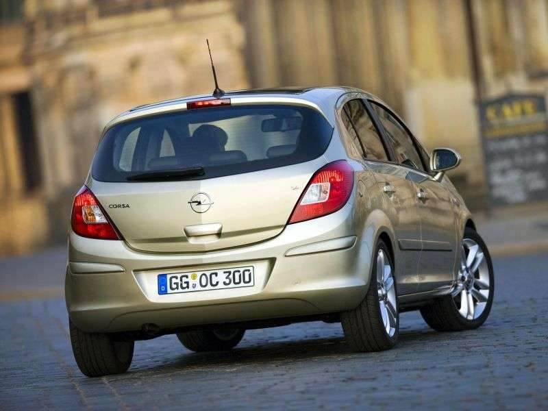 Opel Corsa Dhetchbek 5 dv. 1.4 AT (2006–2010)