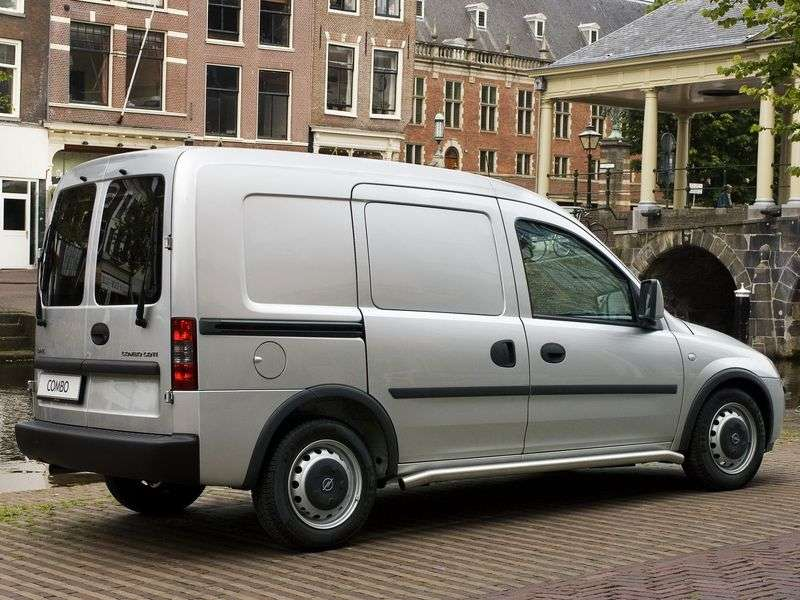 Opel Combo C [restyling] 1.4 MT (2005–2010)