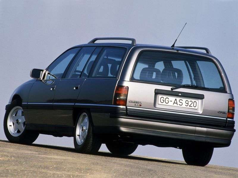 Opel Omega A [restyling] wagon 2.4 AT (1990–1994)