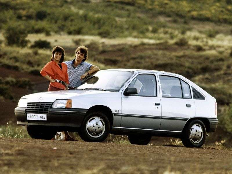 Opel Kadett Ehetchbek 5 dv. 1.3 MT (1985–1991)