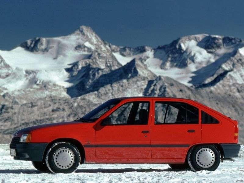 Opel Kadett Ehetchbek 5 dv. 1.6 MT (1985–1991)