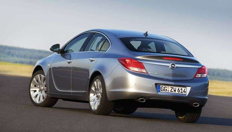 Opel Insignia 1st generation liftback 5 bit. 2.0 DTH AT 4x4 Cosmo (2011 – current century.)