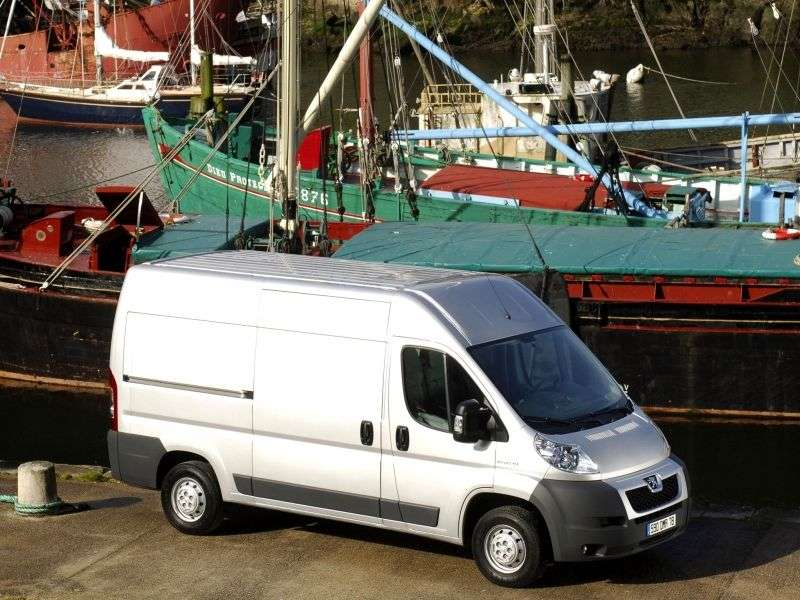 Peugeot Boxer 2nd generation van 2.2 HDI MT L2H2 330 Basic (2006–2012)