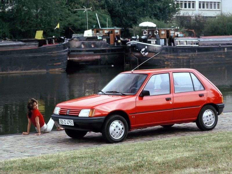 Peugeot 205 1st generation hatchback 5 bit. 1.4 MT (1983–1998)
