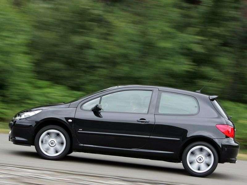 Peugeot 307 1st generation [restyling] 3 bit hatchback 1.6 AT (2005–2007)