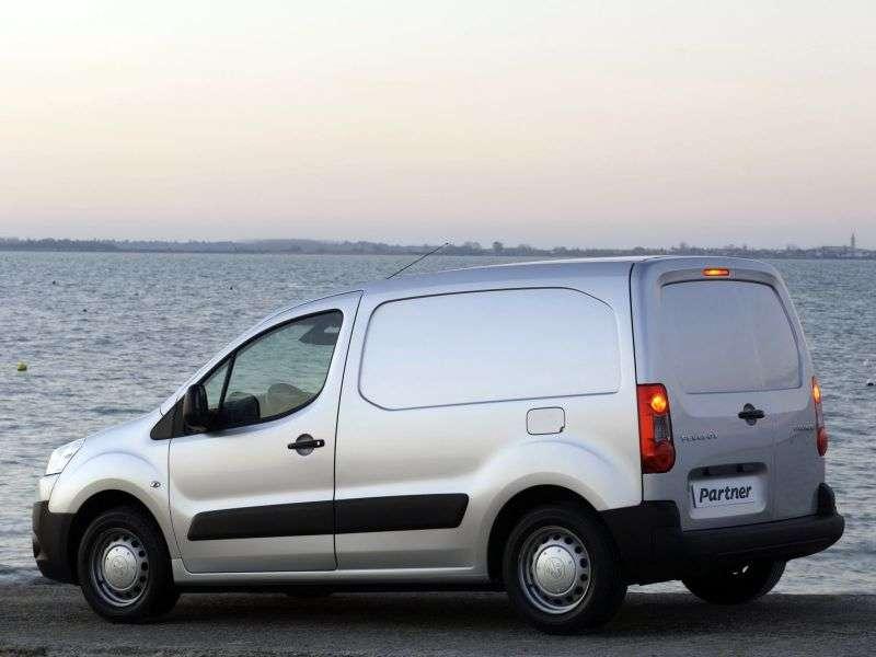 Peugeot Partner TepeeVU van 4 bit. 1.6 HDi MT Long Basic (2008–2012)