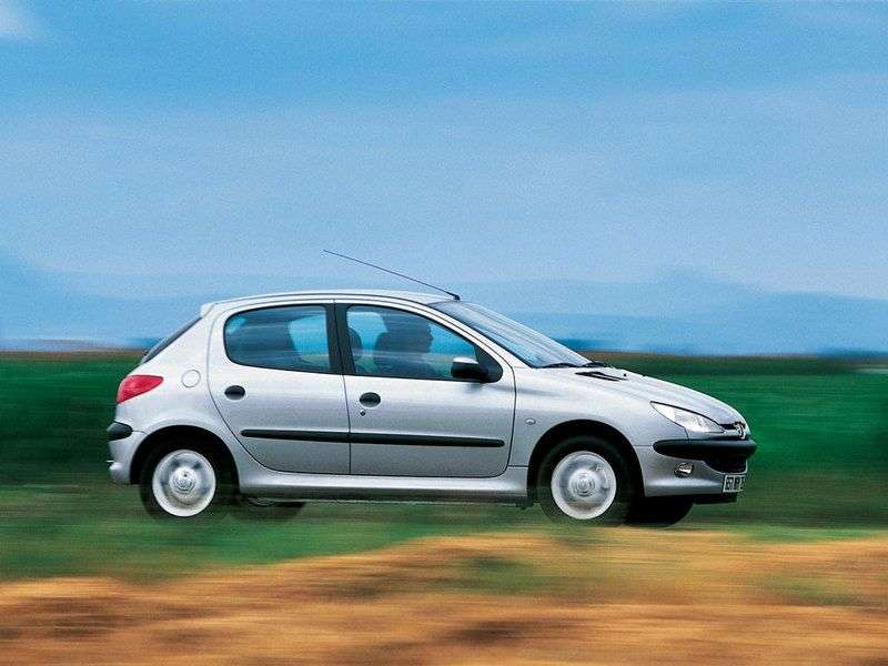 Peugeot 206 1st generation hatchback 5 bit. 1.6 MT (2003–2006)