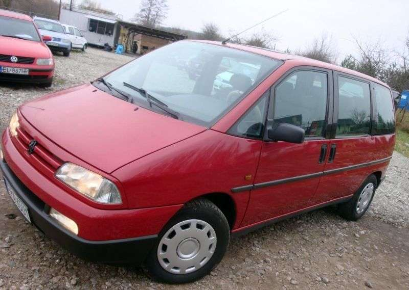 Peugeot 806 221 Minivan 2.0 MT Turbo (1994–1998)
