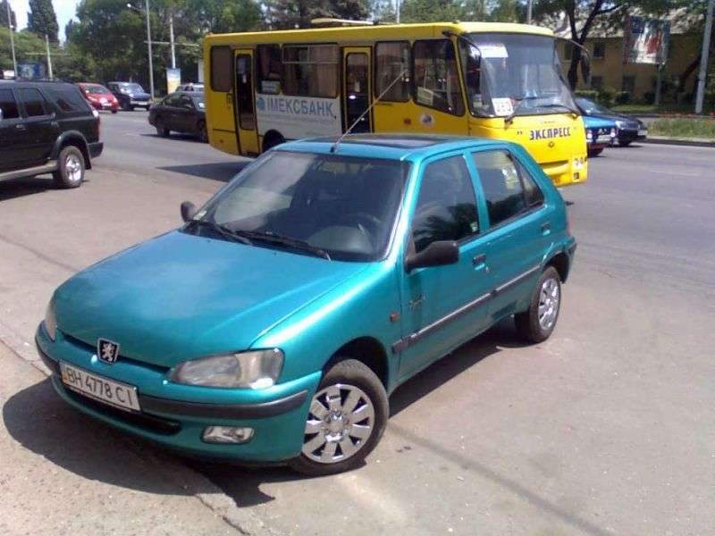 Peugeot 106 1st generation [restyling] 5 dv hatchback 1.4 MT (1996–2003)