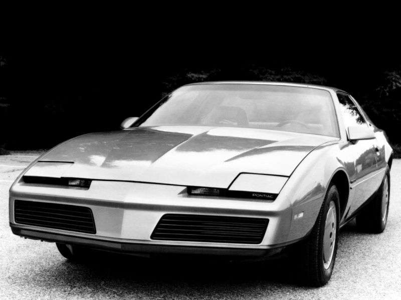 Pontiac Firebird 3rd generation coupe 2 dv. 2.8 AT (1983 1984)