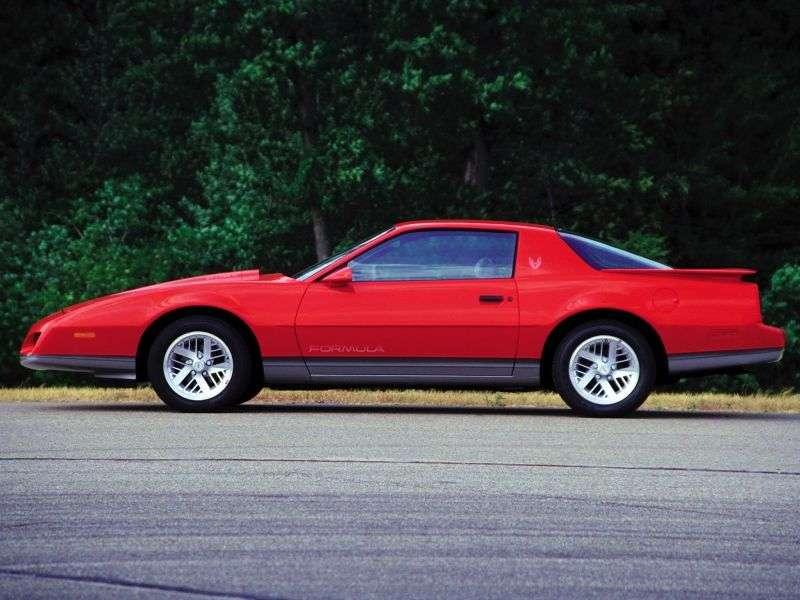 Pontiac Firebird 3rd generation [restyling] Formula Coupe 5.0 MT (1986–1987)