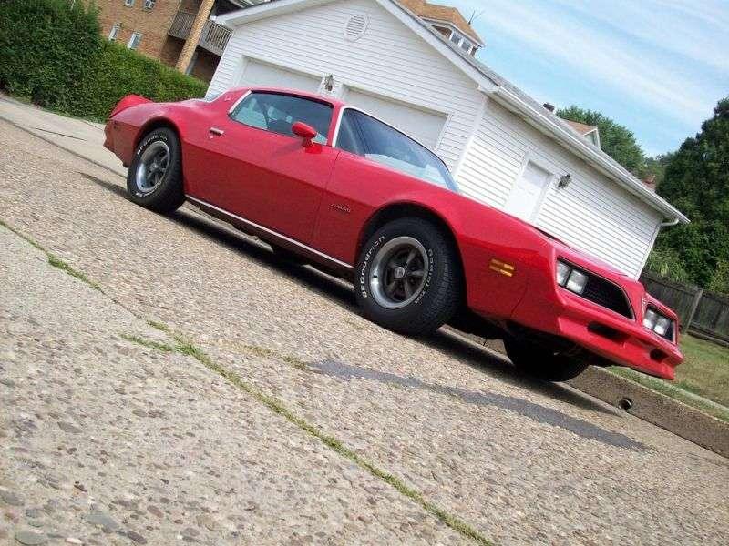 Pontiac Firebird 2nd generation [3rd restyling] Formula Coupe 2 dv. 6.6 AT (1977–1978)