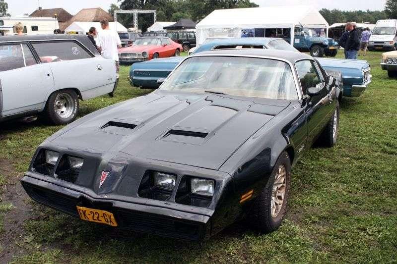 Pontiac Firebird 2nd generation [4th restyling] Formula coupe 2 dv. 6.6 AT (1979–1981)