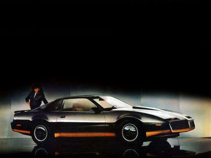 Pontiac Firebird 3rd generation Trans Am Coupe 2 dv. 5.0 AT (1984–1984)