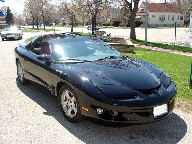 Pontiac Firebird 4th generation [restyling] Targa 5.7 MT (1998–2002)