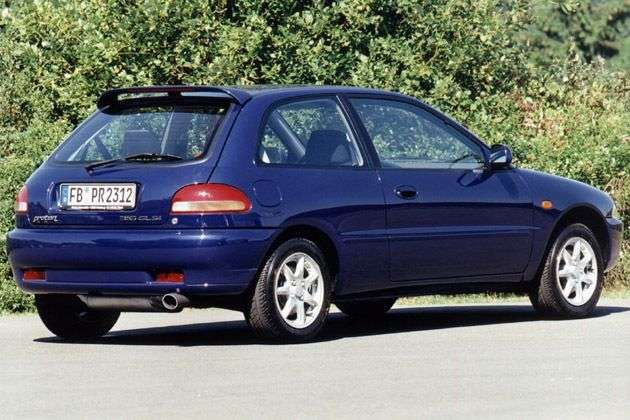 Proton Persona 300 Compact 1st generation 1.3 MT hatchback (1996 – n.)