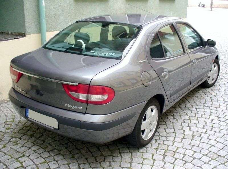 Renault Megane 1st generation [restyling] Classic Sedan 1.6 AT (1999–2010)