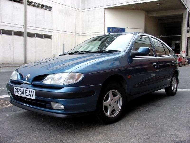 Renault Megane 1st generation hatchback 2.0 AT (1995–1999)