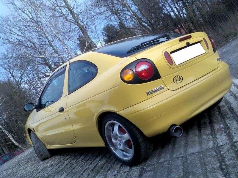 Renault Megane 1st generation coupe 2.0 MT (1995–1999)