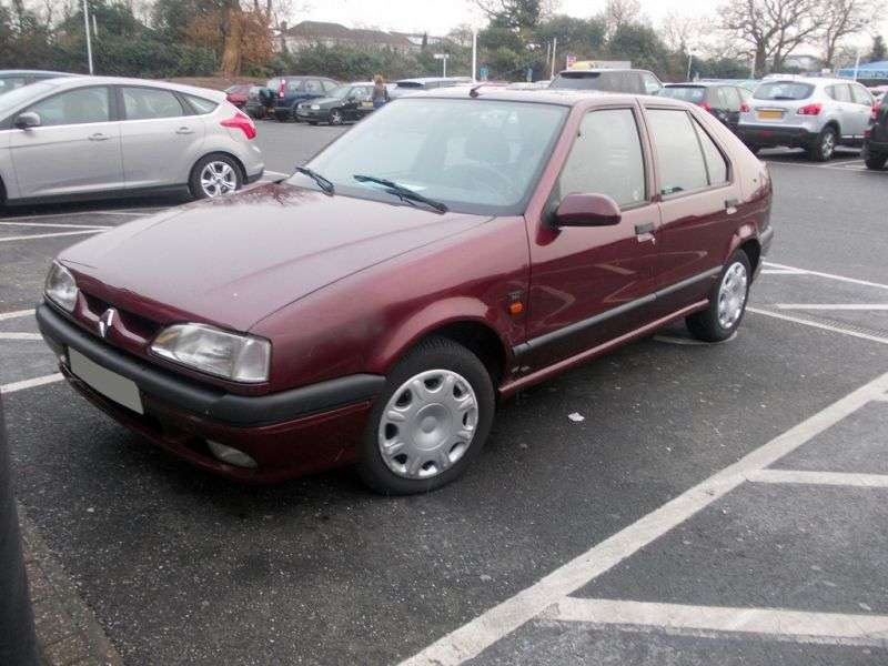 Renault 19 2 generation hatchback 5 dv. 1.6i MT (1996–2000)