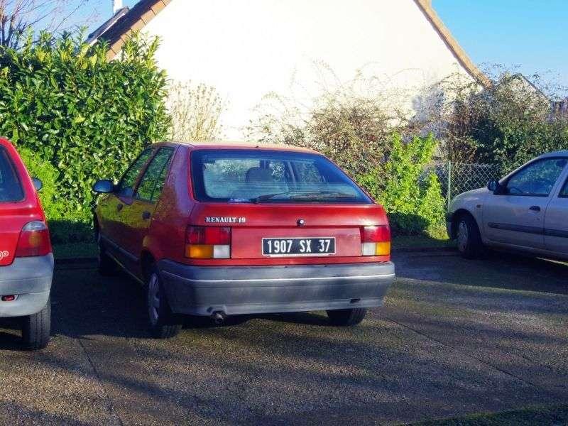 Renault 19 1st generation hatchback 5 dv. 1.4 MT (1988–1992)