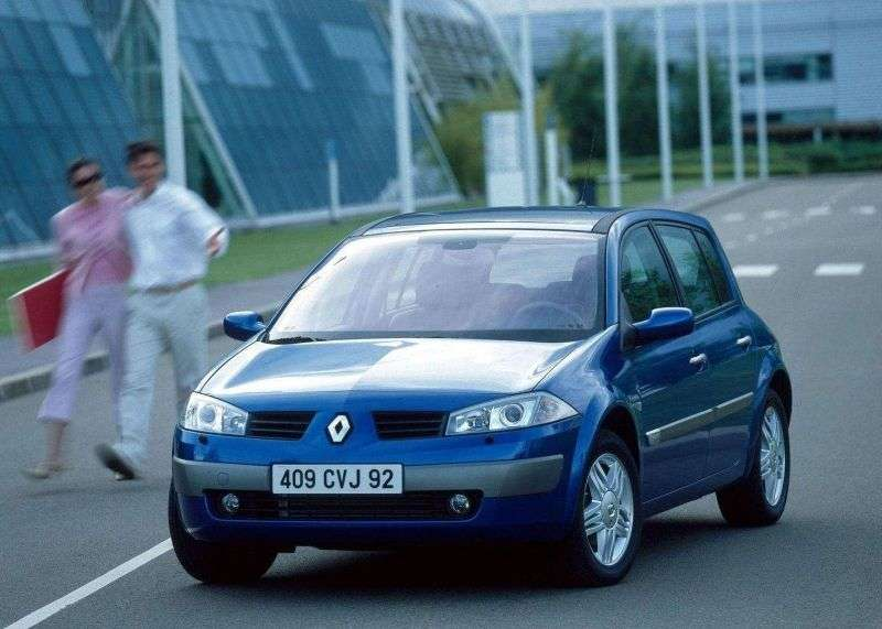 Renault Megane 2nd generation hatchback 5 dv. 2.0 MT (2002–2006)