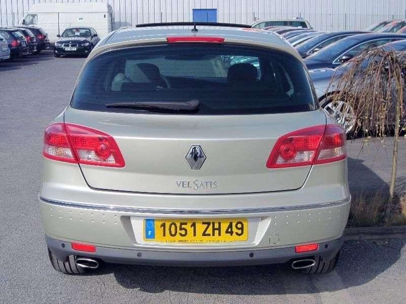 Renault Vel Satis 1st generation [restyled] hatchback 2.2 dCi MT (2005–2009)