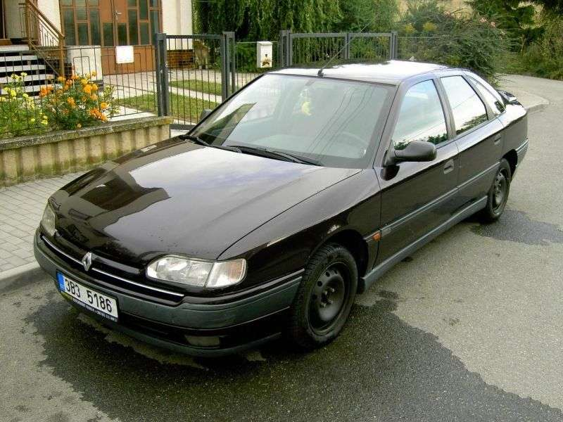 Renault Safrane 1st generation hatchback 5 dv. 2.2 AT (1992–1996)