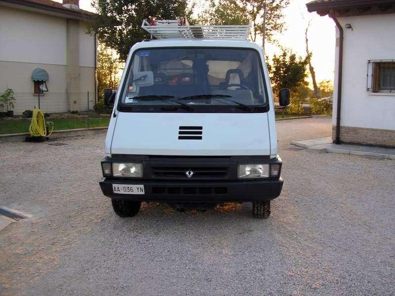 Renault Master 1st generation [restyled] van 2.5 D L3H1 MT (1994–1997)