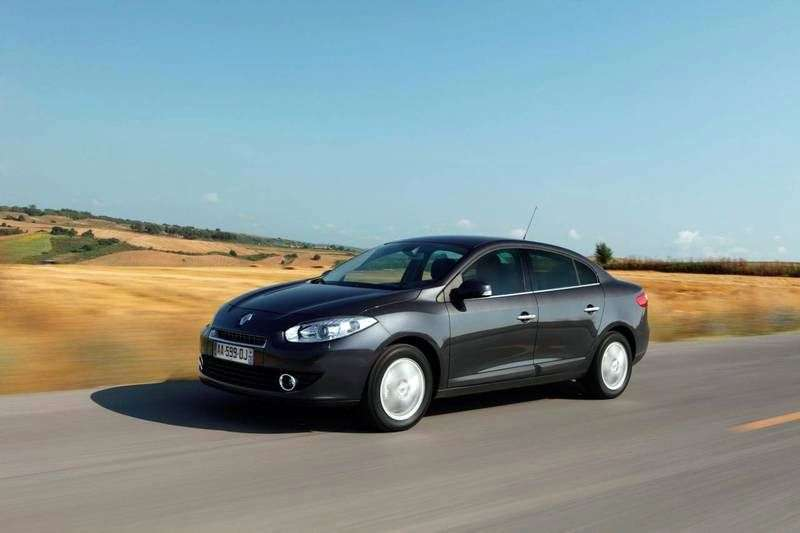 Renault Fluence 1st generation 2.0 MT sedan Dynamique (2012) (2009–2012)