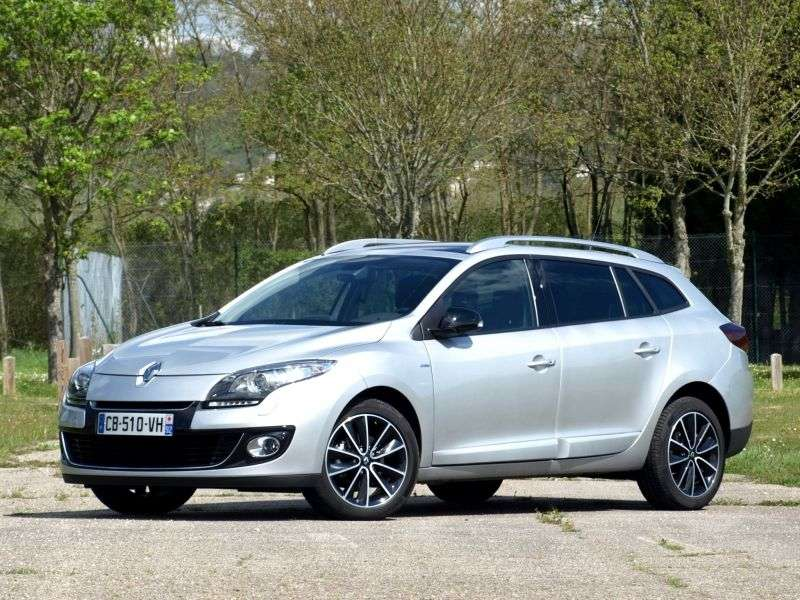 Renault Megane 3rd generation [restyling] wagon 5 bit. 1.6 MT (2012 – n. In.)