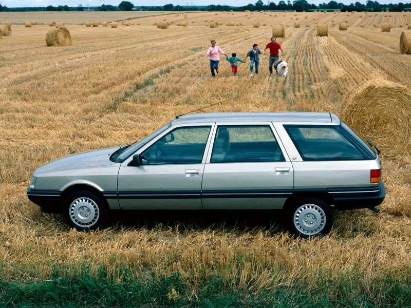 Renault 21 1st generation Nevada wagon 5 bit. 1.7 5MT (1986–1989)