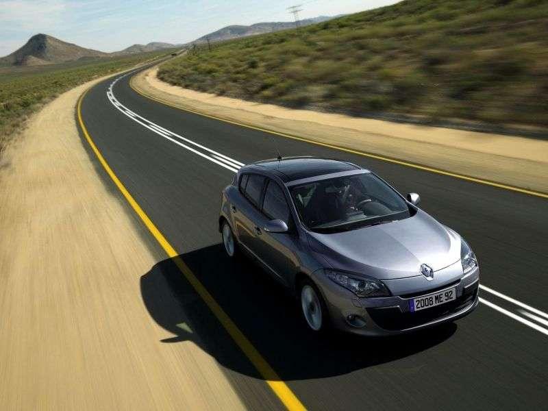 Renault Megane 3 generation hatchback 5 dv. 1.6 MT Confort (2011) (2010–2012)