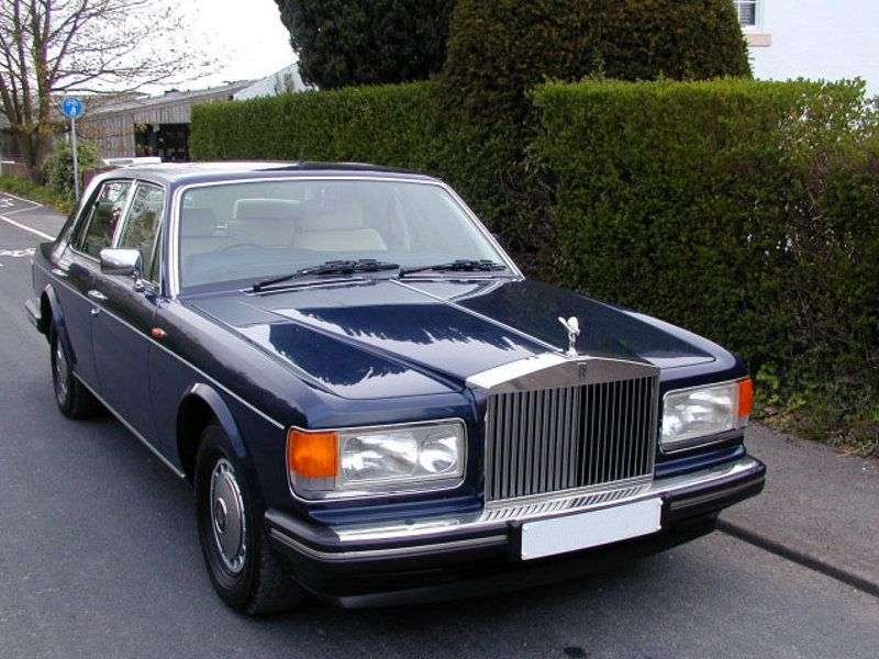 Rolls Royce Silver Spur 2nd generation sedan 6.75 AT (1989–1993)