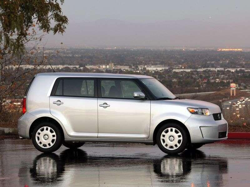 Scion xB 2nd generation minivan 2.4 MT (2007 – n.)